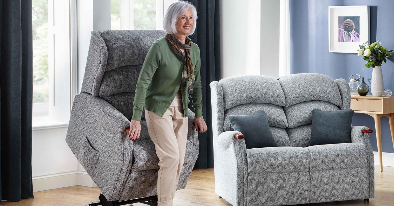Celebrity's Westbury riser/recliner
