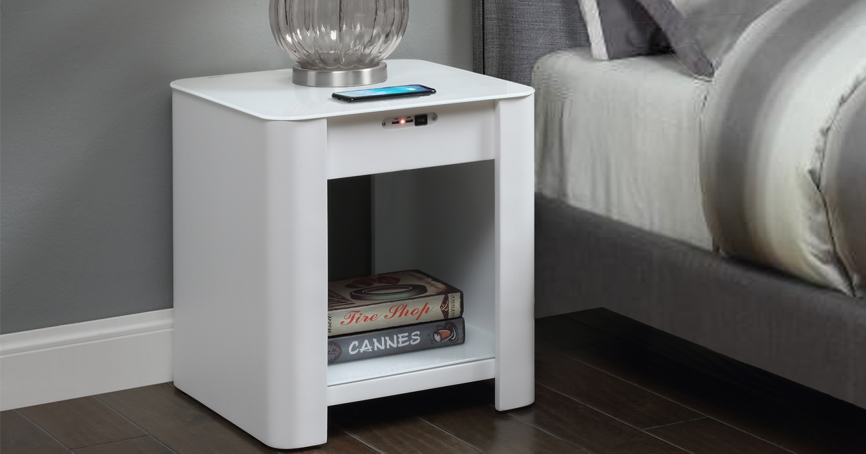 JF405 bedside/lamp table