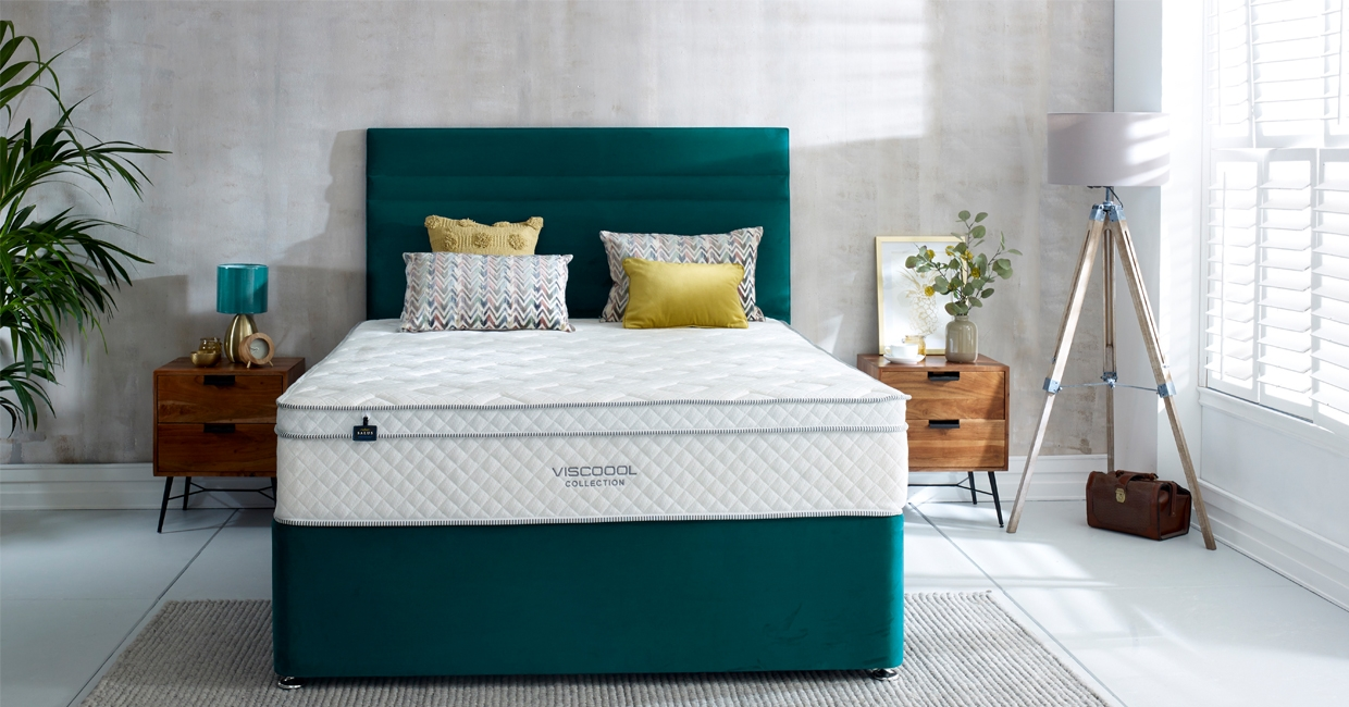 Salus (with Viscoool) with a plush teal base and Stighton headboard
