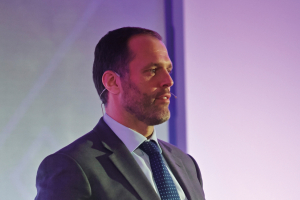 Rugby star to host Bed Show Gala Dinner