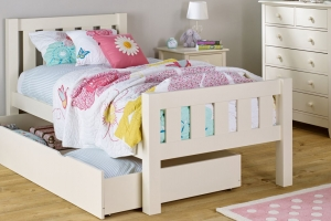 Brand refresh for children's furniture e-tailer