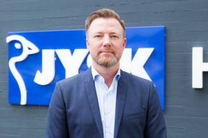Jysk founder passes mantle to son