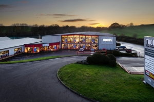 East Midlands retailer launches new online store