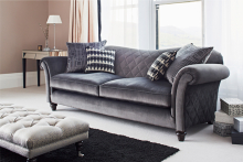 Parker Knoll's British Classics Collection returns to Milan